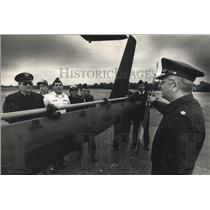 1988 Press Photo Civil Air Patrol Col. Dan Ritchie & cadets at West Bend Airport