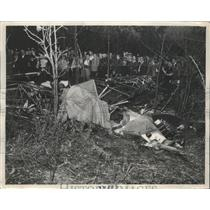 1938 Press Photo Tangled Wreckage of 2 Airplanes That Collided 300-Feet Above