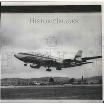 1958 Press Photo Boeing 720, takes off on its maiden flight in Renton Airport