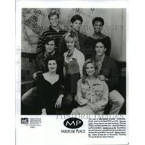 1992 Press Photo Doug Savant, Vanessa Williams and the cast of Melrose Place.