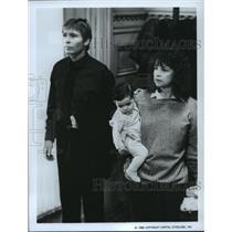 1986 Press Photo John Denver and Cindy Williams star in Leftovers. - spp08987