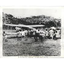 1941 Press Photo Ambulance Plane picks up patient at Australia Inland Ranch