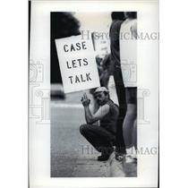 1993 Press Photo Jerry Studinksi taking a break outside JI Case Co factory