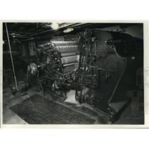 1990 Press Photo 1860s Vintage Wool Carding Machine, Cedarburg Woolen Mill