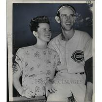 1948 Press Photo Cincinnati Club Pitcher, Ewell Blackwell With His Fiance