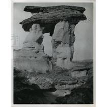 1982 Press Photo The Sweetgrass Hills Rocks in Alberta, Canada - mja68159