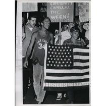 1966 Press Photo Youths Picketing in Wauwatosa, National Guard Called Out
