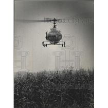 1973 Press Photo Sheriff helicopter over Lawrence Kruse farm near Loganville, WI