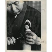 1987 Press Photo Precision Work on the Body of a Doll - mja75737