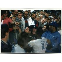 1995 Press Photo Spectators taunting, Blue Jay-Angels brawl, Anaheim, California