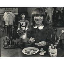 1988 Press Photo Doll Maker Susan hale of Cedarburg - mja79648