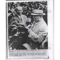 1912 Press Photo Nikita Khrushchev and Wladyslaw Gomulk Inspect Field of Maize