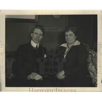 1919 Press Photo Mrs. L.M Medum and Dr. H.H. Carrintong, lecturer - nef68267