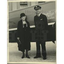 1931 Press Photo Mrs. Alice M. Richardson Arrives in Miami Excited about Flying