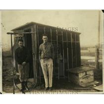 1926 Press Photo Brandon Wentworth, Philip Scofe & radio shack - neo10957