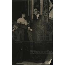 1919 Press Photo Georges Carpentier & a French actress at a function - neo11138