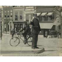 1923 Press Photo Utrecht, Holland Traffic Cop - neo13554