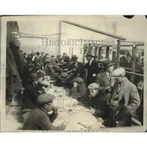 1928 Press Photo strike breakers applying for work at Interborough Rapid Transit