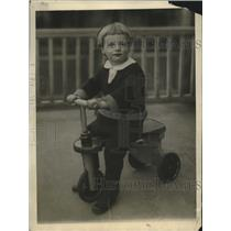 1922 Press Photo Guy Clark Jr age 3 drove parent's car 12 miles from home