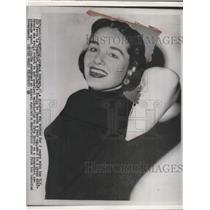 1954 Press Photo Ursula Schmidtto return to Germany for espionage trial