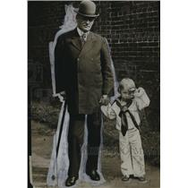 "1907 Press Photo Admiral Evans and ""Bob Evans"" (Grandson Robert Evans Sewell)"