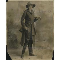 1918 Press Photo Military style riding habit in khaki on a model - neo17157