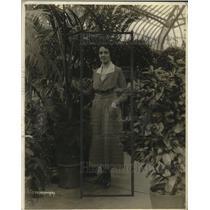 1920 Press Photo Miss Elsa Baker of Hotel Pennsylvania, Hotel Show - neo17749