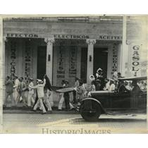1930 Press Photo Cuban Students Riot in Havana, Clash with Police - neo20917