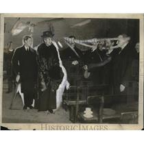 1915 Press Photo Queen & Prince ofNales visit St. Anselin's Room - neo22097