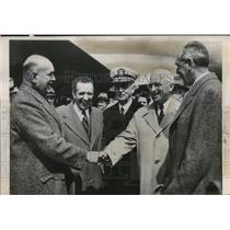 1850 Press Photo Pres. Truman greets cabinet members at Washington Airport