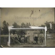 1918 Press Photo Mill Hands Succeed as Gardeners - neo23689