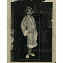 1922 Press Photo Model Wearing Coolie Coat that Comes in Pastel Brocaded Chiffon