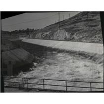 1951 Press Photo Water from Roosevelt Lake is pumped into head work access canal