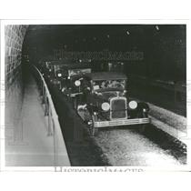 Press Photo Tunnel roadway traffic one lane direction