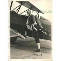 """1931 Press Photo daredevil Dick Terry seeks new """"delayed jump"""" parachute record"""