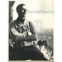 1933 Press Photo Walter Huston at his Ranch in Hollywood, California - sbx03305