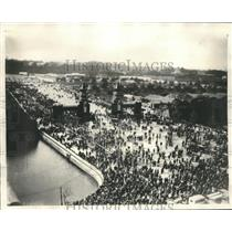 1930 Press Photo Toyko, Japan Crowds celebrate reconstruction after earth quake