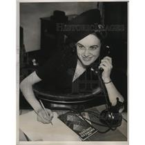 1939 Press Photo New York Mae Leslie American Airlines Stewardess Honored NYC