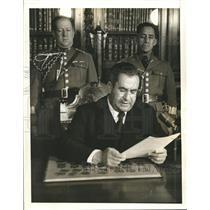 1941 Press Photo President Avila Camacho delivers Radio Speech  - sbx04068