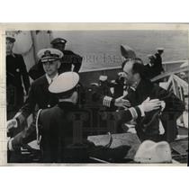 1939 Press Photo Lieut Oliver Naquin Commander Squalas - RRX68391