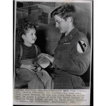 1951 Press Photo Private George Hammonds & Carol Kaiser - RRW25305
