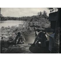 1942 Press Photo Soldiers on guard on a Malayan coastal river - nem35158