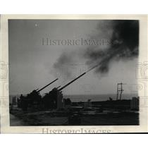 1930 Press Photo Two of the Armyi's Trim 105 Anti-Aircraft Guns in Action