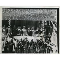 1946 Press Photo US Army Generals Salute at Cinco de Mayo Celebration, Mexico