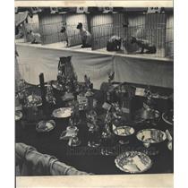1968 Press Photo Lot hardware cat Table Trophy - RRW28951