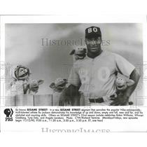 1990 Press Photo Sports superstar, Bo Jackson, featured in Sesame Street