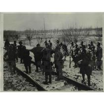 1931 Press Photo Japanese Wounded Carried Through Snow and Zero Temperatures