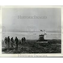 Press Photo Vertol H-21 Helicopter Rescuing US Air Force Globemaster, Anchorage