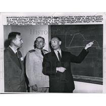 1958 Press Photo Cmdr Malcolm D Ross Points to Graph Showing Altitude Curve