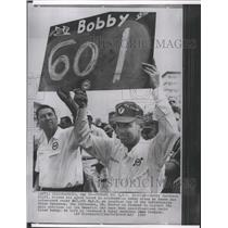 1964 Press Photo Bobby Marsham Raises Speed Board After Practice Lap at Speedway